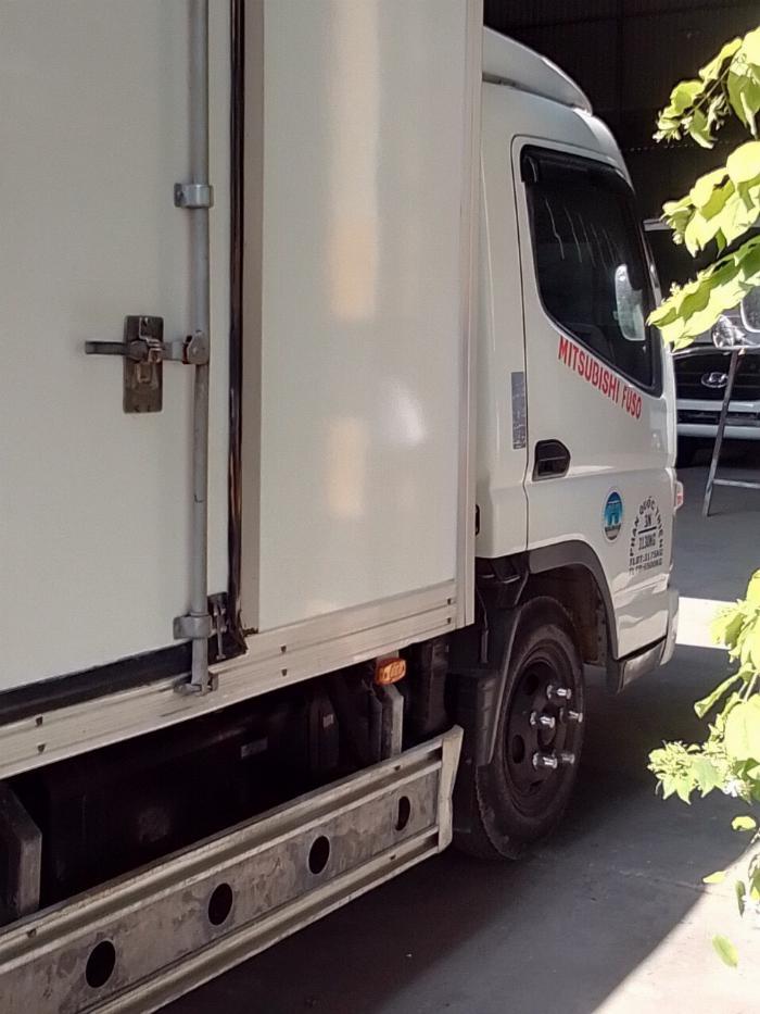 bán xe tải mitshubishi 3t5 đời 2012 thùng kín compusit 1