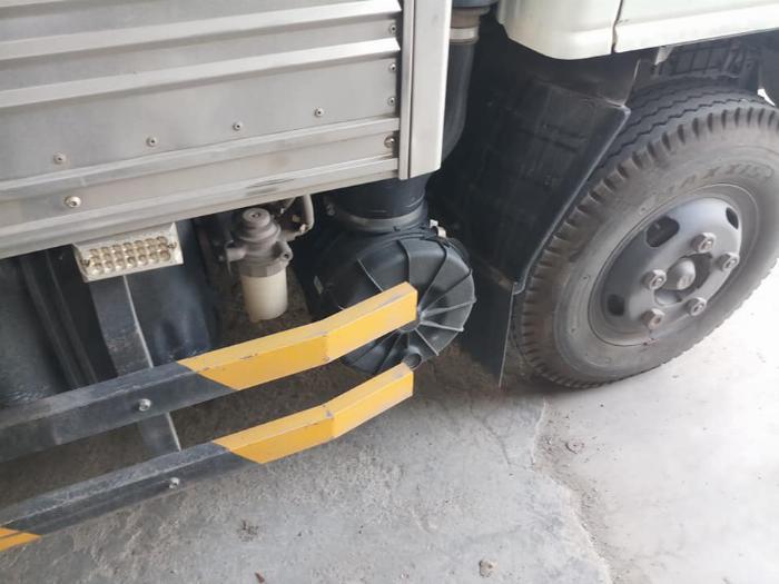 cần bán xe tải isuzu QKR đời 2016 tải 1,85 tấn thùng kín giá tốt trã góp 4
