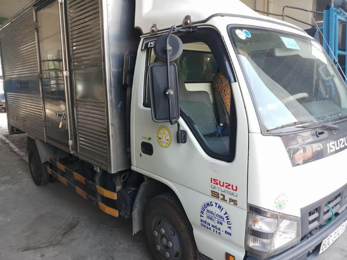 cần bán xe tải isuzu QKR đời 2016 tải 1,85 tấn thùng kín giá tốt trã góp 10