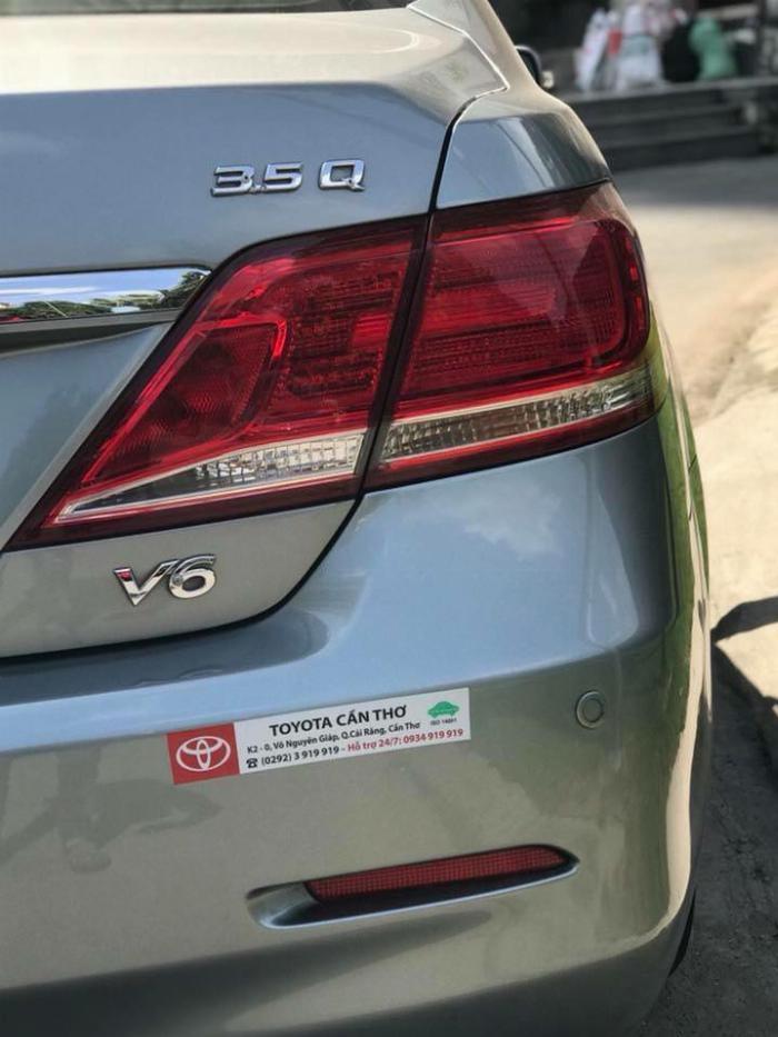 Nhà kẹt tiền bán Toyota Camry 3.5q 2010 số tự động bản full, 0