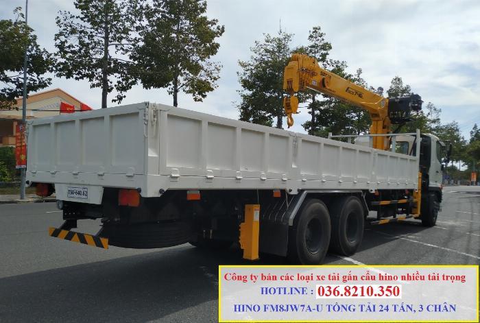 Hino FM tổng tải 24 tấn gắn cẩu soosan 746 tải trọng còn 10 tấn