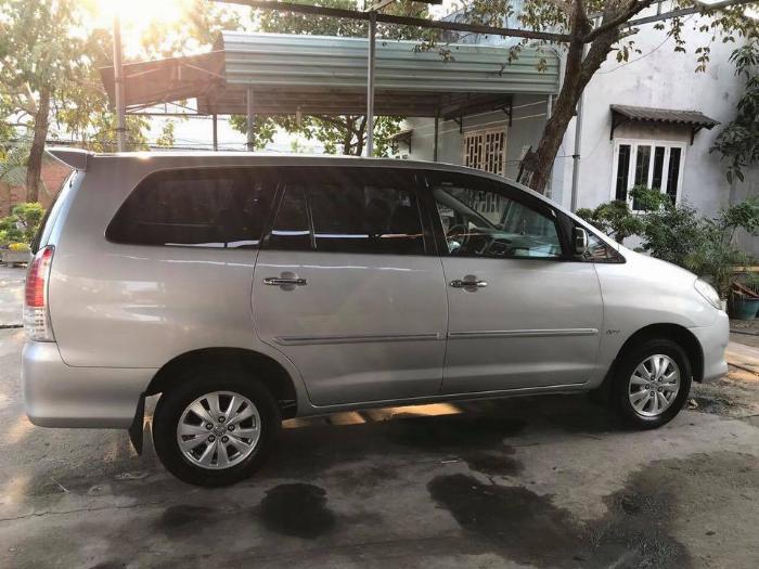 Gia đình cần bán xe Toyota innova 2008, số sàn 5