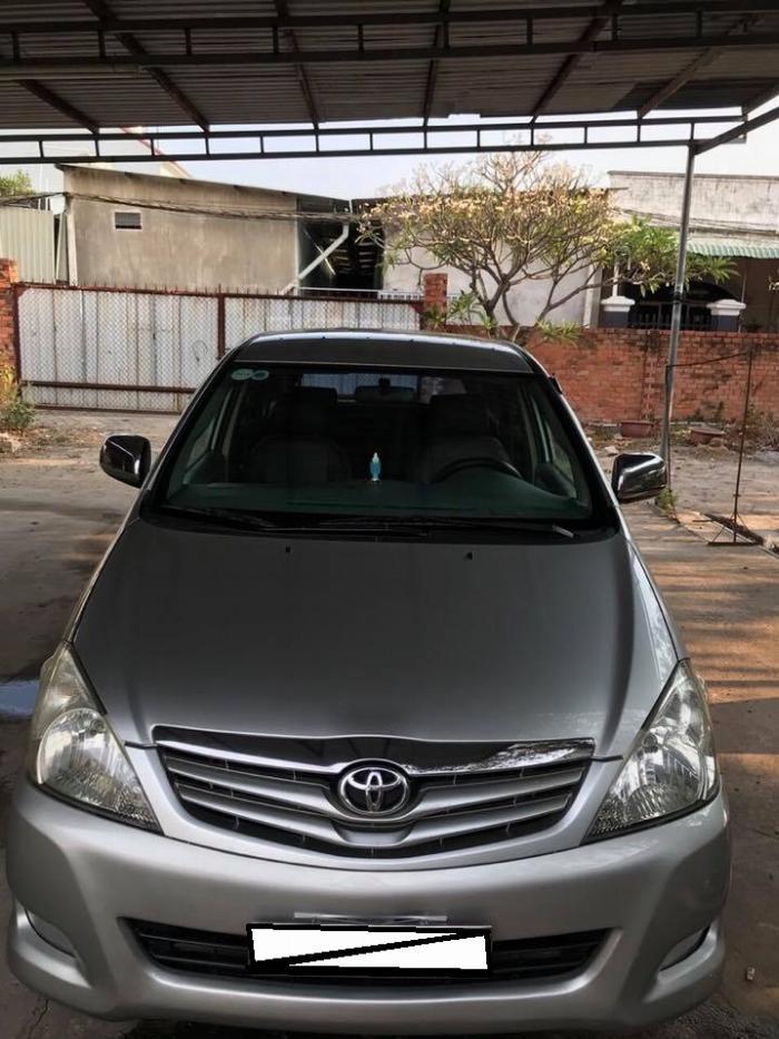 Gia đình cần bán xe Toyota innova 2008, số sàn 7