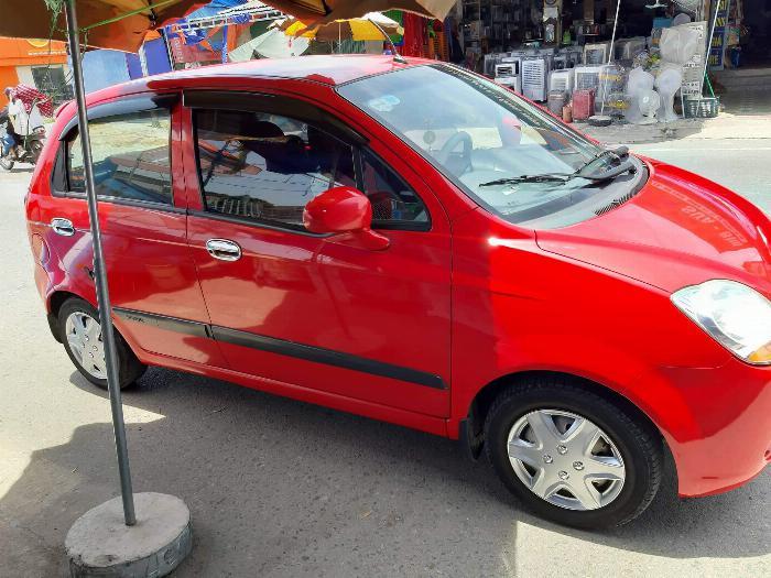 Spark van 2011 xe gia đình đang sử dụng