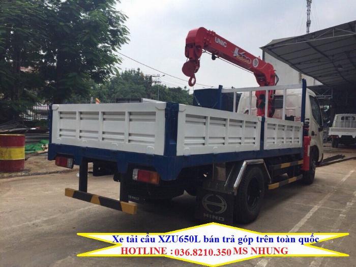 Cần bán xe cẩu Hino XZU650L 1,05 tấn gắn cẩu Unic 2 tấn 5 4 khúc mới 0