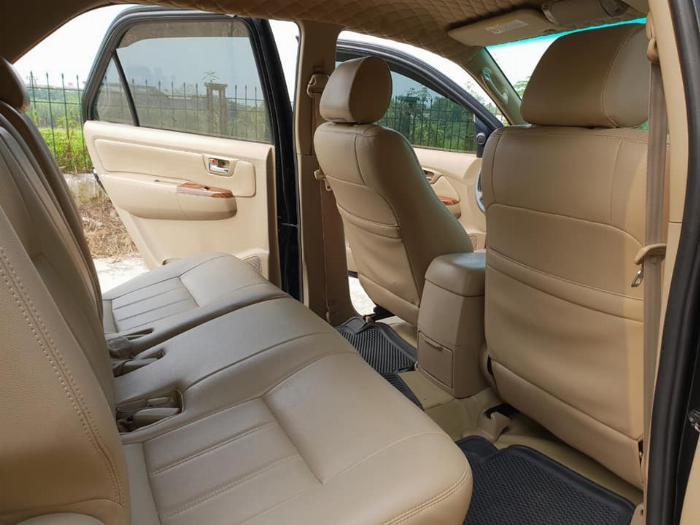 Bán Toyota Fortuner 2010 số sàn dầu xám bút chì rất đẹp 5