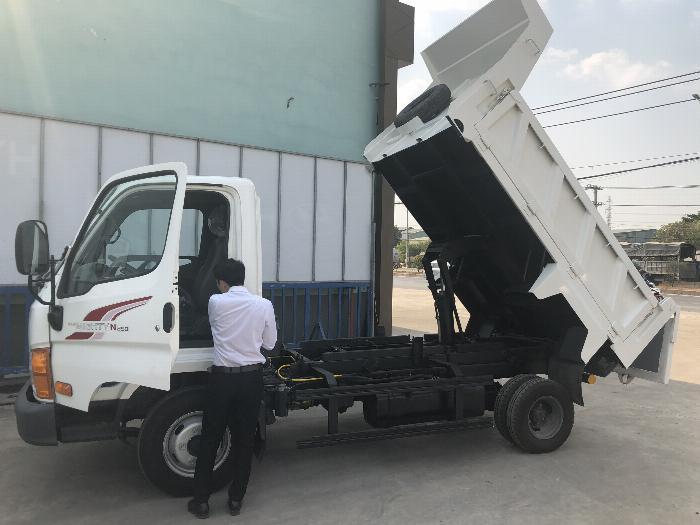 xe tải chạy trong thành phố 2,5 tấn hạ tải 1,9 tấn 1