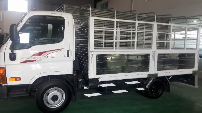xe tải chạy trong thành phố 2,5 tấn hạ tải 1,9 tấn 4