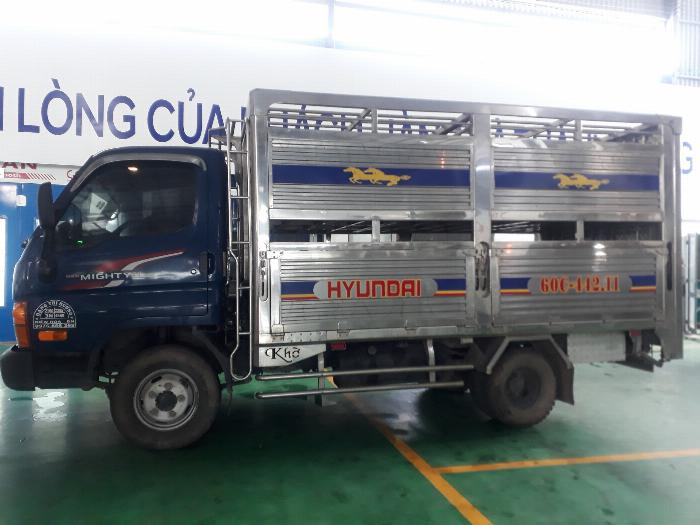 xe tải chạy trong thành phố 2,5 tấn hạ tải 1,9 tấn 2