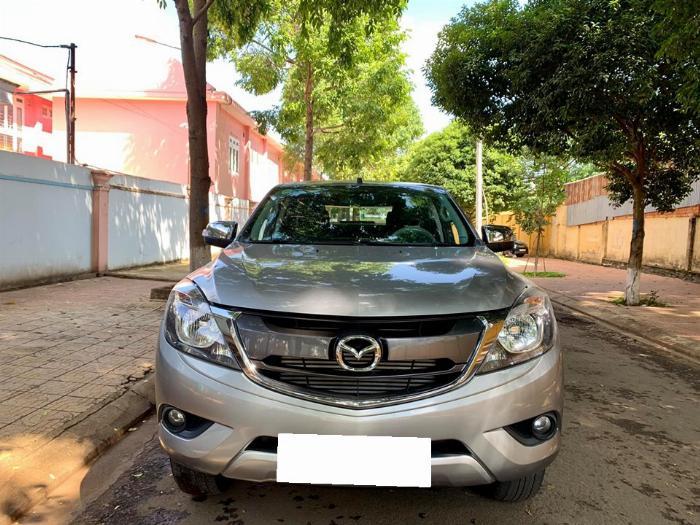 Cần bán xe Mazda BT-50 sx 2016 số sàn máy dầu, màu vàng ghi nhập
