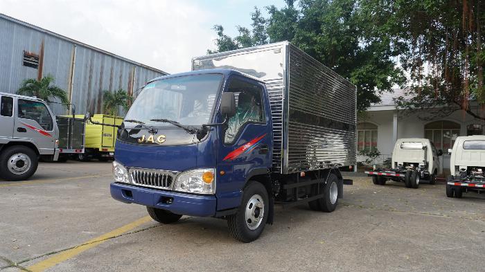 Giá xe tải Jac 2t4 thùng bạt sx 2019 máy isuzu hỗ trợ trả góp lên tới 80%