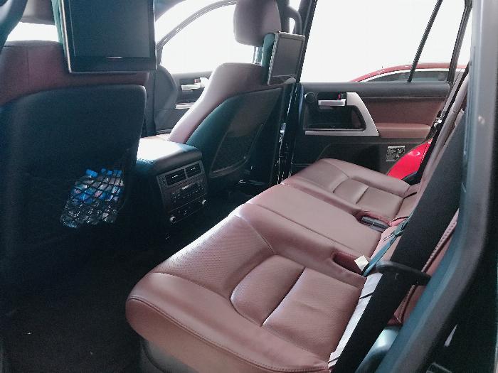 Bán Toyota Land Cruise 5.7 nhập Mỹ,sản xuất và đăng ký 2016,lăn bánh 1,6 vạn Km,biển Hà Nội .
