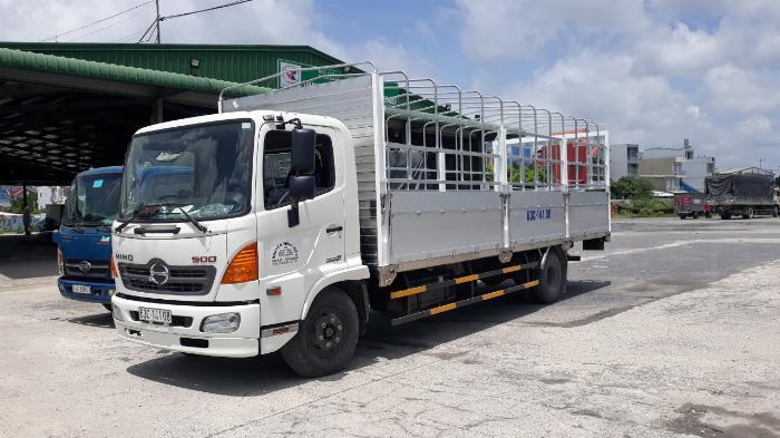 Xe tải Hino FC Tải 6 Tấn ( thùng bửng nhôm), Trả trước 300 triệu 0