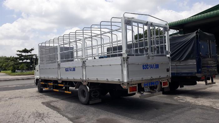 Xe tải Hino FC Tải 6 Tấn ( thùng bửng nhôm), Trả trước 300 triệu 1