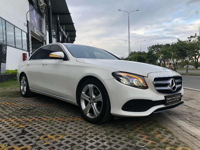 Bán xe Mercedes E250 cũ đăng ký 2018 bảo hành chính hãng tới năm 2021, giá cực rẻ