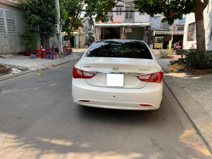 Gia đình cần bán Sonata 2012, số tự động, màu trắng 1