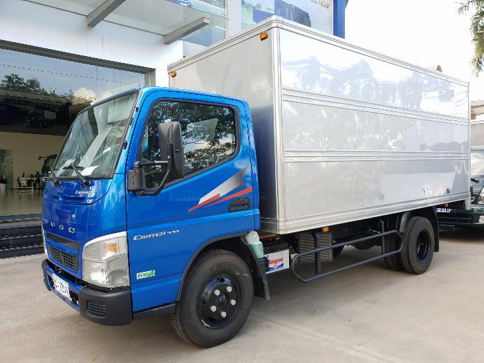 Xe tải Mitsubishi Fuso Canter4.99 thùng dài 4,3m. Tải trọng 2,1m đi vào thành phố 2