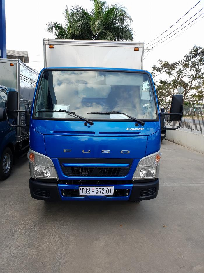 Xe tải Mitsubishi Fuso Canter4.99 thùng dài 4,3m. Tải trọng 2,1m đi vào thành phố 1
