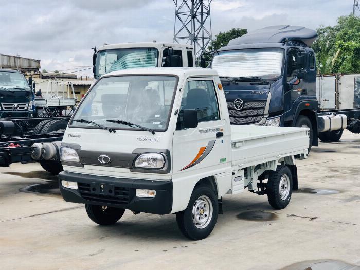 Cần bán xe tải Towner800 tải trọng 990kg thùng kín, thùng lững vào thành phố 3