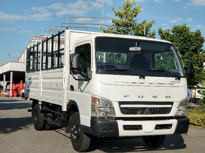 Xe tải Fuso canter 6.5 tải trọng 3,5 tấn . Khuyến mại sốc tháng 8 0