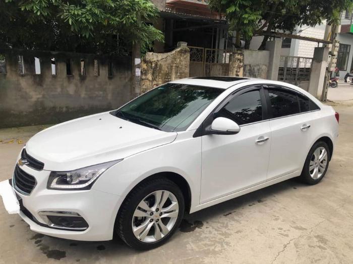 Cần bán xe Chevrolet Cruze 2017 Ltz số tự động màu trắng 0