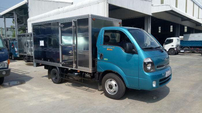 Cần bán xe tải KIA 2018 thùng mui bạt giá rẻ, hỗ trợ trả góp 75% giá trị xe.