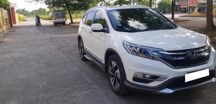 Cần bán xe Crv 2015, bản 2.4, phom mới, màu trắng ngọc trinh. 0