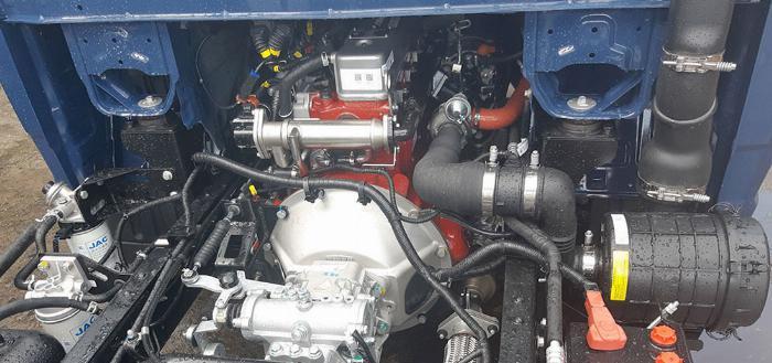 Giá xe tải Jac 990kg/thùng 3.2m/Máy HYUNDAI/trả góp 80%