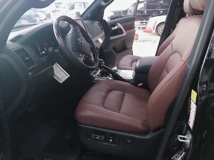 Bán xe Toyota Land Cruiser 5.7 Nhập Mỹ 2019, màu đen,bạc .xe giao ngay 5
