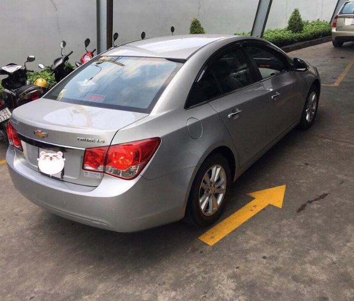 Càn bán xe Cruze 2015, số sàn, màu bạc, gia đình ít dùng