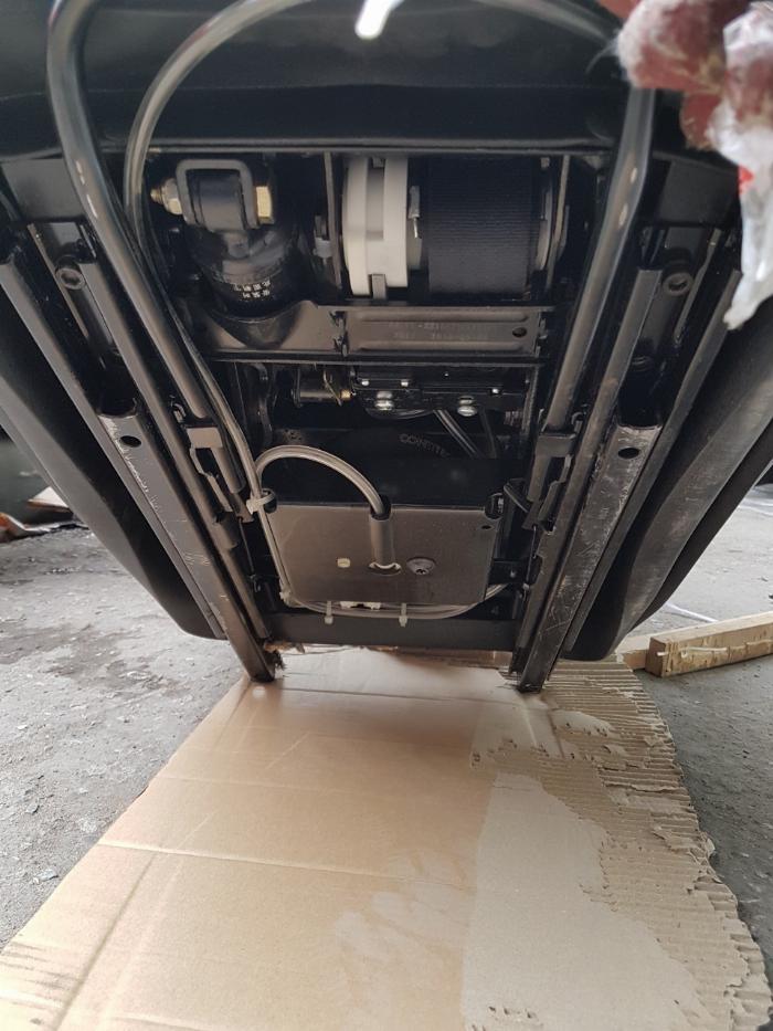 Ghế hơi xe đầu kéo howo A7 7