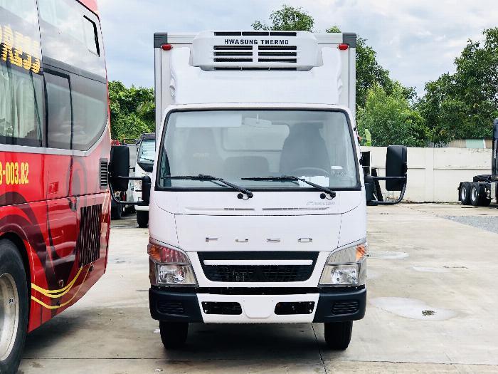 xe tải mitsubishi fuso canter4.99 tải 1 tấn 9 đông lạnh có bán trả góp
