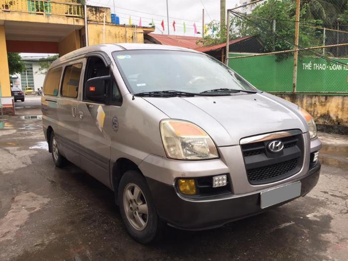 Hyundai Starex 2005 bán tải số sàn 6 chỗ 800 kg màu xám
