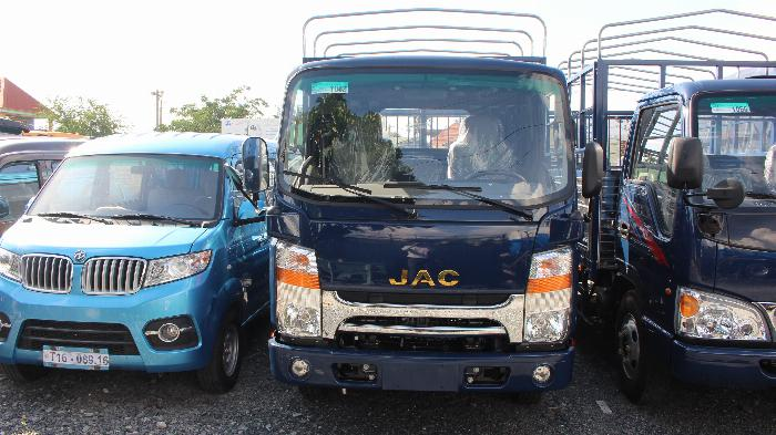 Bán trả góp xe tải JAC N200 thùng mui bạt -  Đại lí bán xe tải JAC tại TPHCM giá rẻ -xe tải JAC 1 tấn 9 thùng 4m3 3