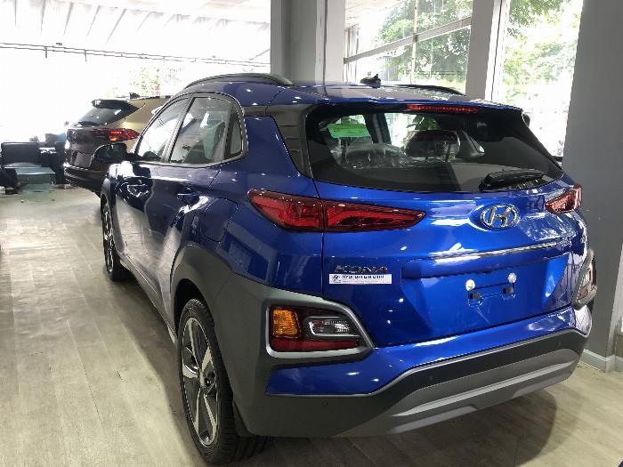 Hyundai Kona giảm giá 60tr, trả trước từ 179tr, góp 10tr1 1