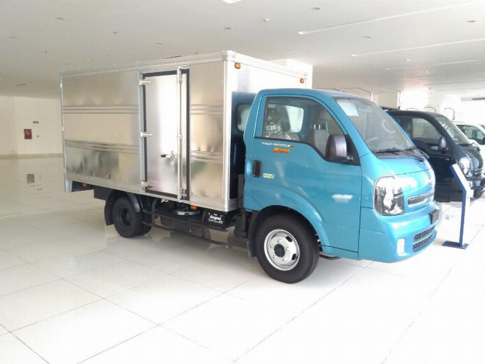 Xe tải KIA 1,9 tấn K200, đạt chuẩn Euro4 xe tại Hòa Thành 7