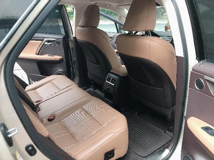 Bán Lexus RX350 sản xuất 2017,đăng ký 2018,màu vàng,lăn bánh 2 vạn Km,cực mới.LH:0906223838 7
