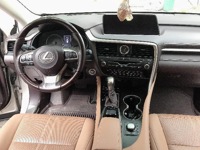 Bán Lexus RX350 sản xuất 2017,đăng ký 2018,màu vàng,lăn bánh 2 vạn Km,cực mới.LH:0906223838 8
