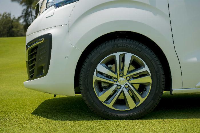 Giá xe Peugeot Travller Luxury   Xe 7 chổ   Xe 2019