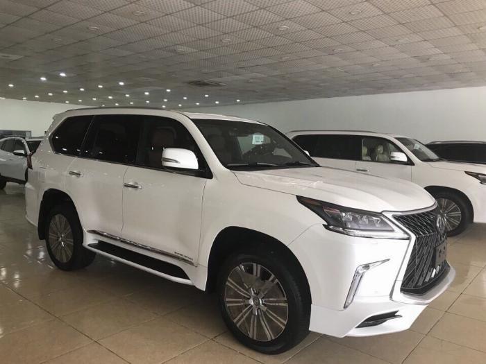 Bán Lexus LX570 4 chỗ sản xuất 2019,4 ghế Massage ,4 cửa hít,màu trắng,nội thất da bò .xe giao ngay.