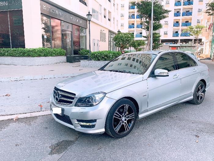 Cần bán gấp xe Mercedes C200 Edition C, đời 2014, màu Bạc, nhập Mỹ!!