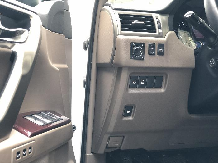 Cần Bán xe Lexus GX460 Luxury, Model 2016, màu Trắng, nhập khẩu Mỹ!! 7