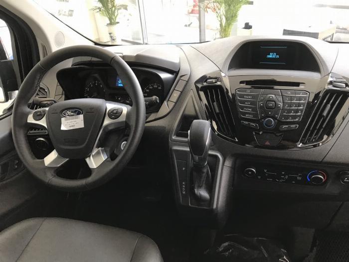Siêu phẩm MPV phong cách siêu sang vừa mới ra mắt, Ford Tourneo ưu đãi mạnh trong tháng 9