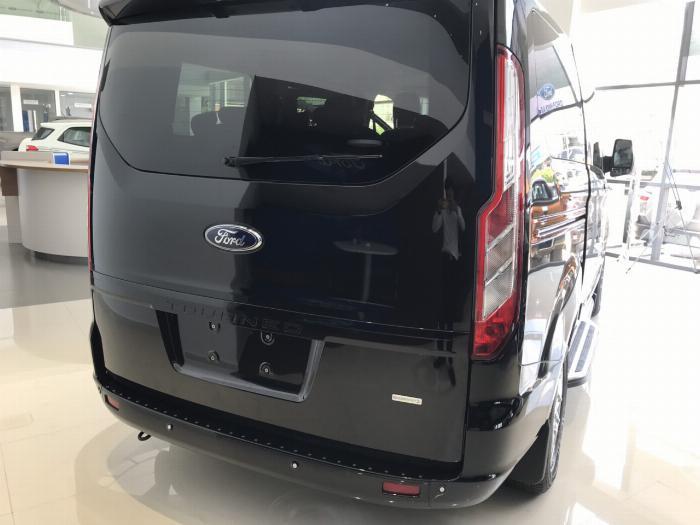 Siêu phẩm MPV phong cách siêu sang vừa mới ra mắt, Ford Tourneo ưu đãi mạnh trong tháng 9 5