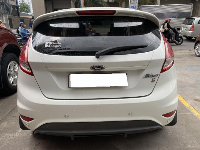 Ford Fiesta Sport 2014 Trắng Xe Đẹp Giá Rẻ.