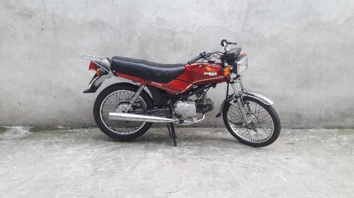 Bán xe win 100 indo mầu đỏ đầu máy 21 đăng ký 1993 biển hà nội 3 số 0