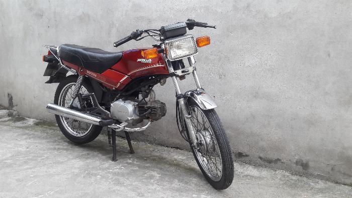 Bán xe win 100 indo mầu đỏ đầu máy 21 đăng ký 1993 biển hà nội 3 số 1