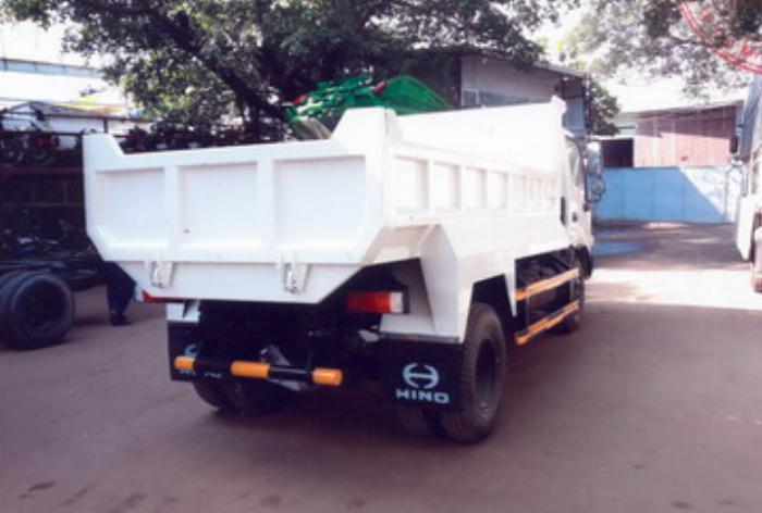 Xe ben Hino XZU342L được nhập khẩu nguyên chiếc