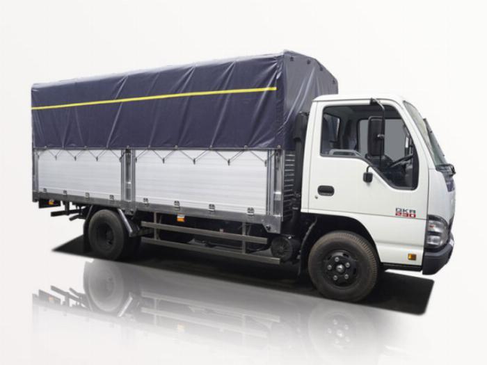 Xe tải Isuzu( QKR230) bạt trọng tải 2t5( có các trọng tải khác ai có nhu cầu liên hệ em giới thiệu