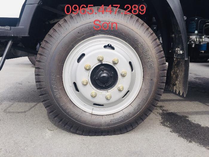 Xe tải Howo thùng dài 6,2 m giá cả ưu đãi 4